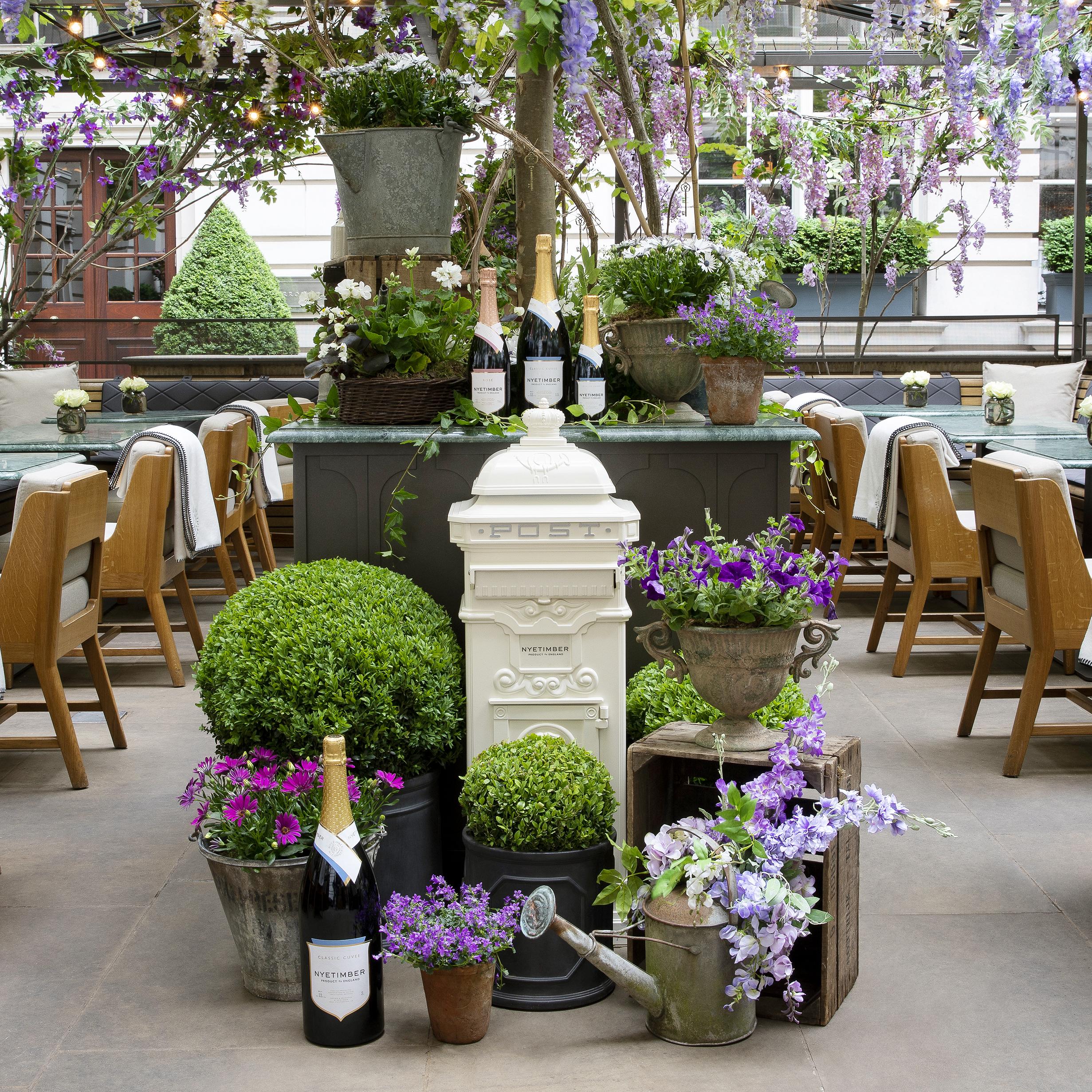 Holborn Dining Room_The Nyetimber Secret Garden_Central Piece_©John Carey.jpg