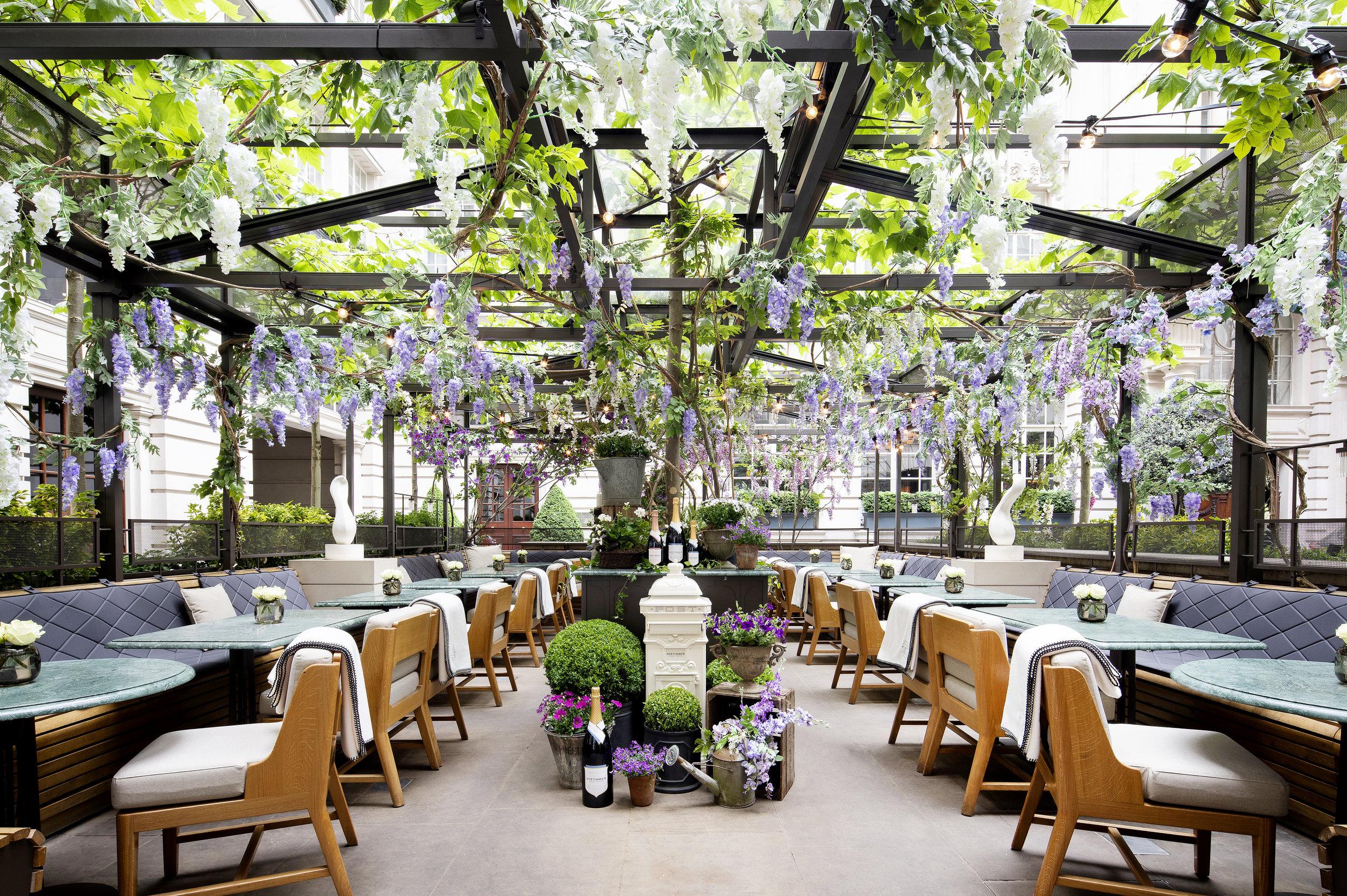 Holborn Dining Room_The Nyetimber Secret Garden_Central Piece©John Carey (1).jpg