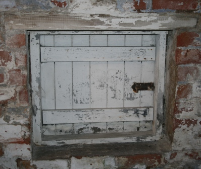 Escape hatch, 50-52 White Street