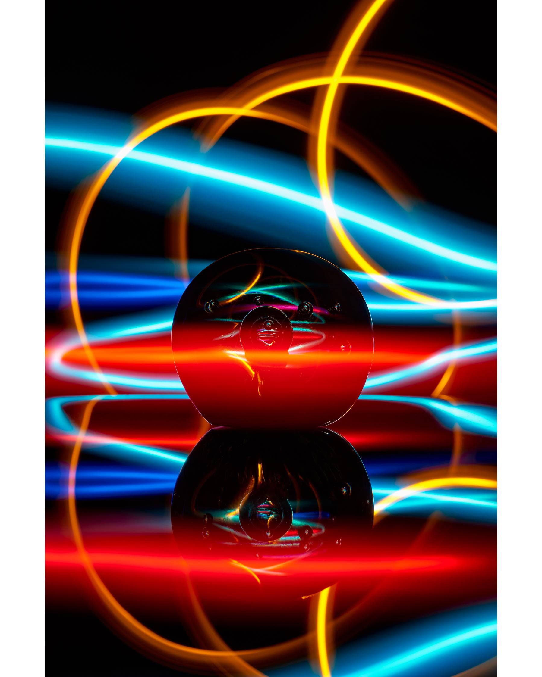 duncantelford_globe_lightpainting_DSC5815.jpg