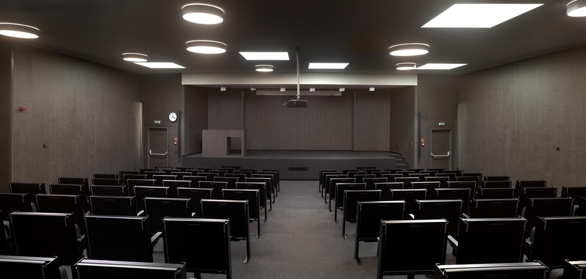 Nieuw auditorium in de POV-campus.