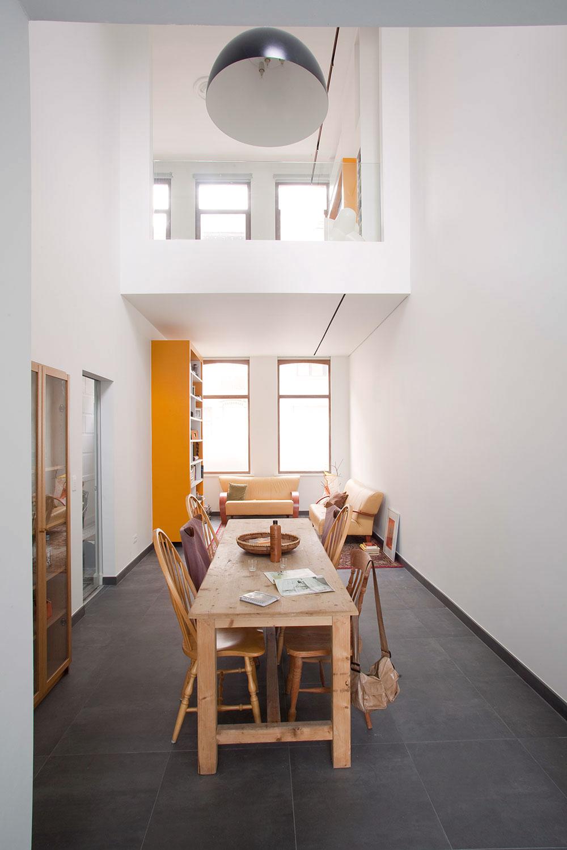 De leefruimte werd opgesplitst in verschillende ruimtes, verspreid over verschillende niveaus.