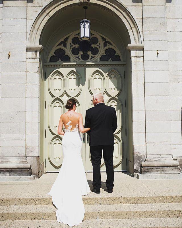 Jodi & dad entering the Cathedrale #junebug #ottawaphotographer #phtobugcommunity #greenweddingshoes #weddingceremony#gettingmarried#engaged#ottawaweddingphotographer