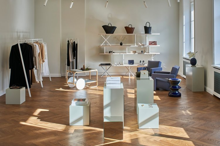 SHOWROOM SERVICES - With a curated, first-class floor space of fashion, accessories and beauty, and a dedicated and skilled team of sociable people, we offer our clients an outstanding service to secure brand and product exposure. We are committed to put your product in the hands of the right people, at the right time, navigating all given media and distribution channels.