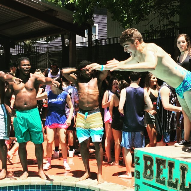 Former Texas Longhorns LB and current Cincinnati Bengal @malikjefferson showing some love for Brother Tyler Amodio's speedo flop. 3 days til The 34th Annual Belly Flop Contest. Will you be there?