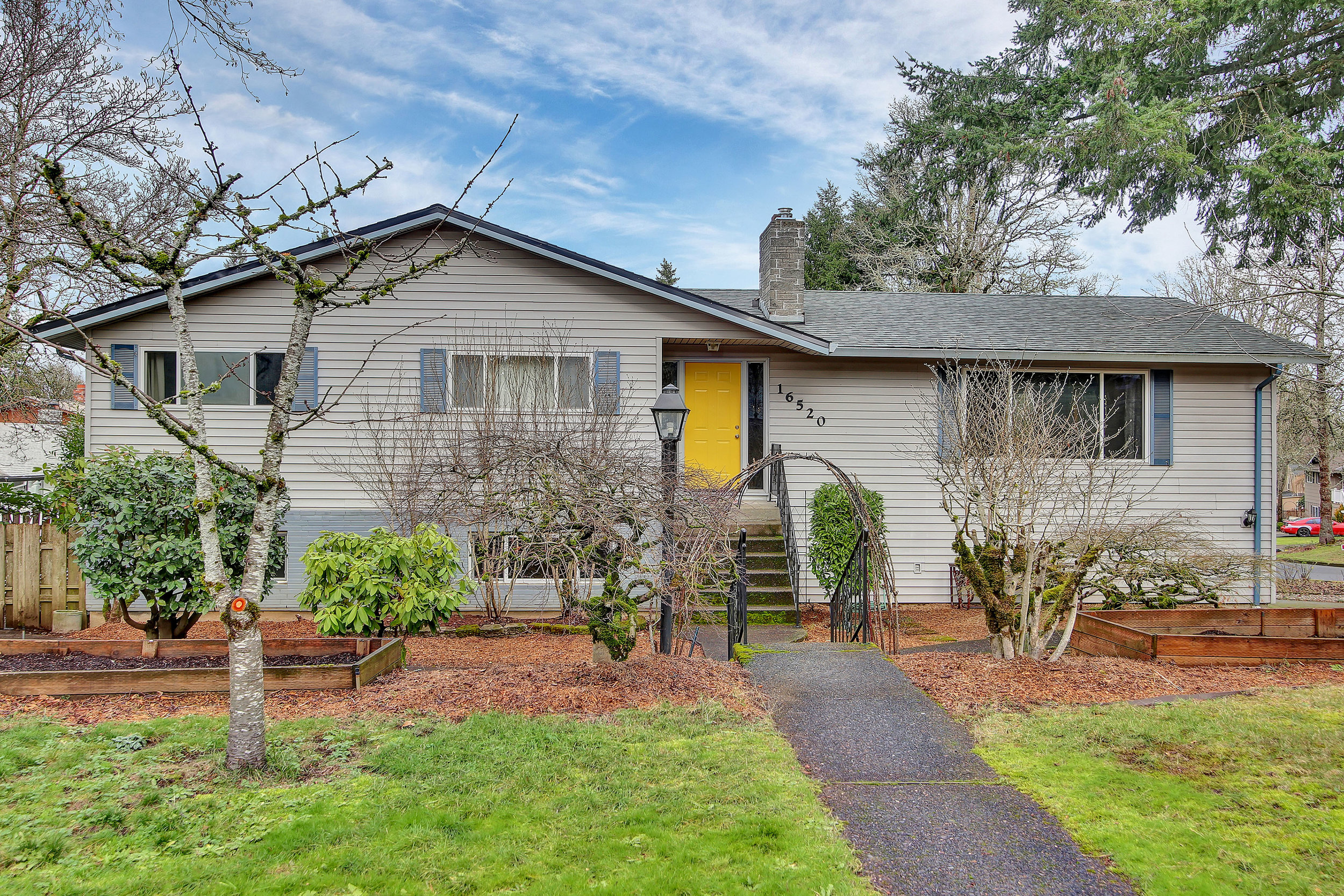 16520 Nottingham Dr.<strong>SOLD</strong>
