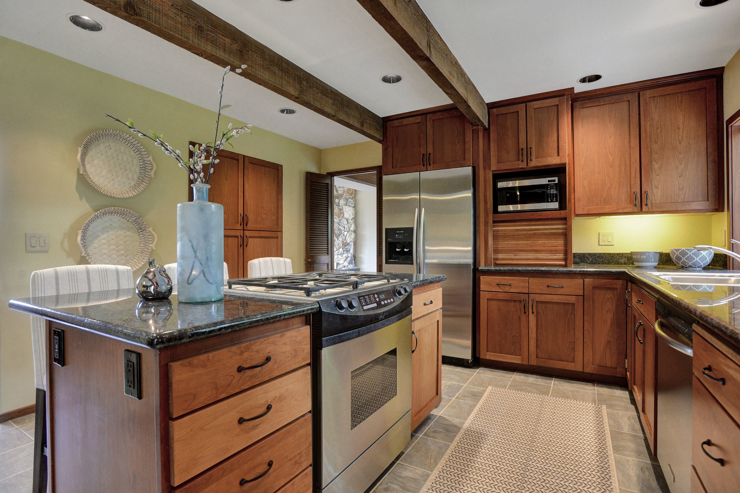 10390 SW View Terrace - Tigard- 14.jpg