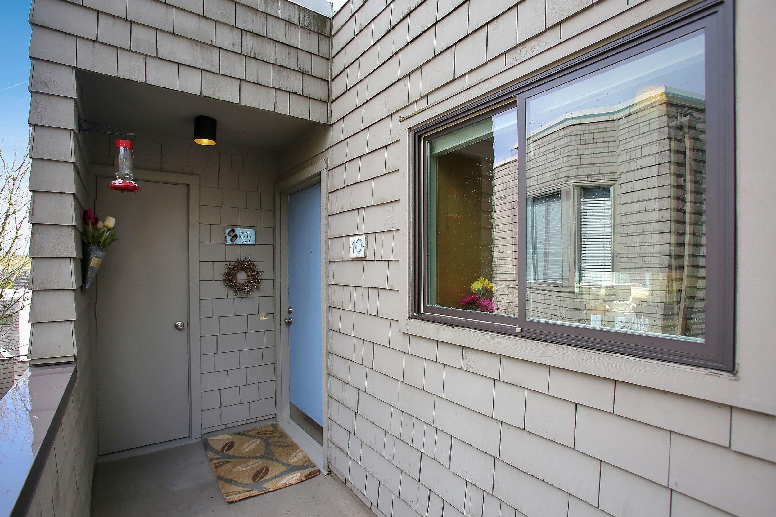 5858 SW Riversridge Ln - Unit 10 - Portland - 04.jpg
