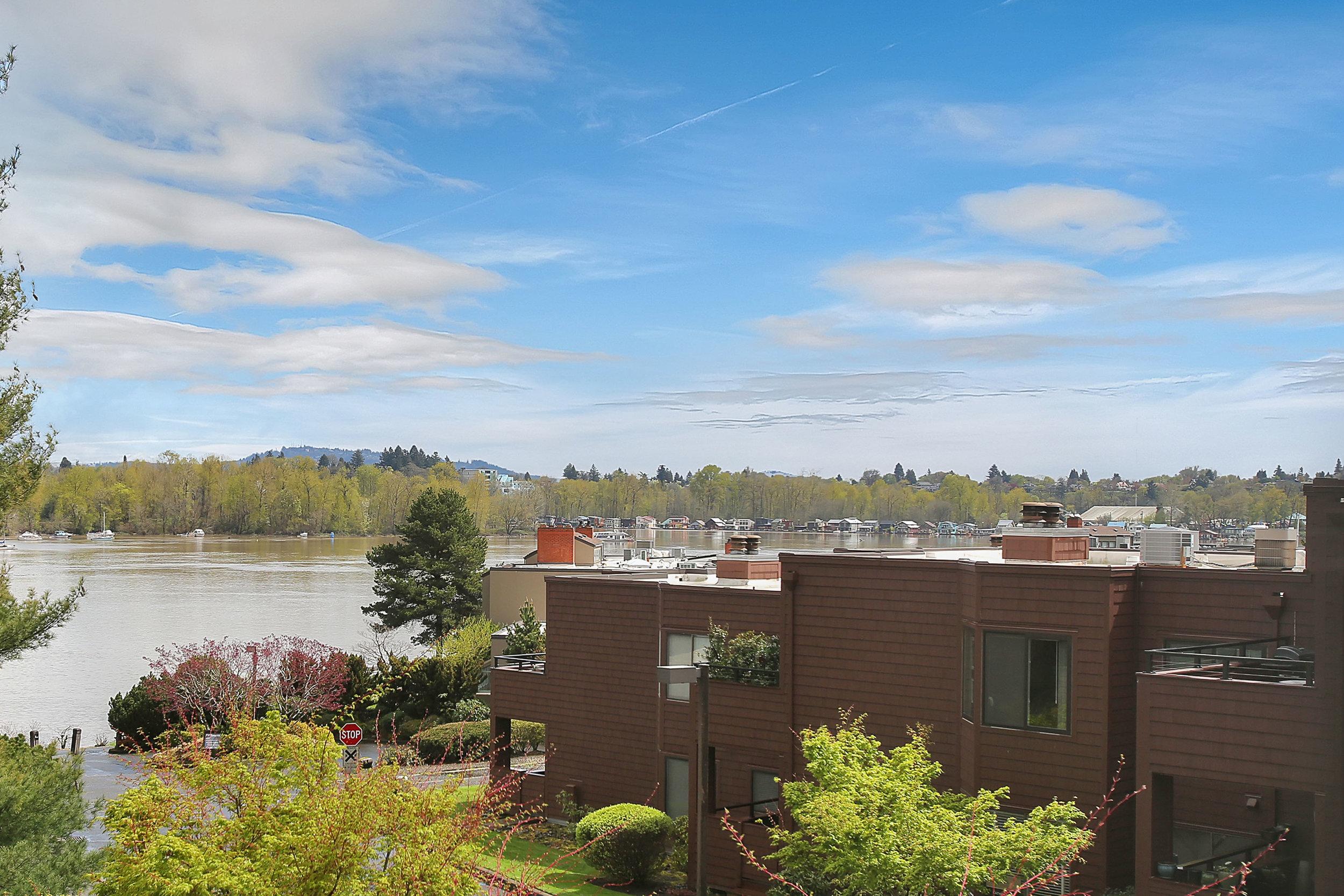5858 SW Riversridge Ln - Unit 10 - Portland - 28.jpg