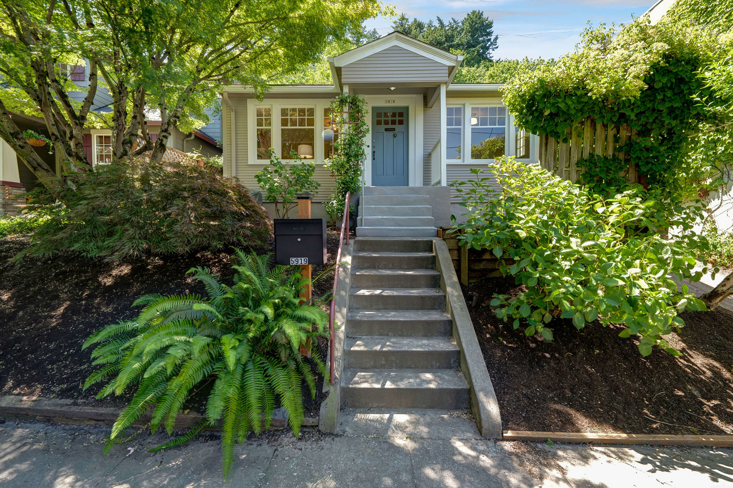 5919 SW Corbett Ave.<strong>SOLD</strong>