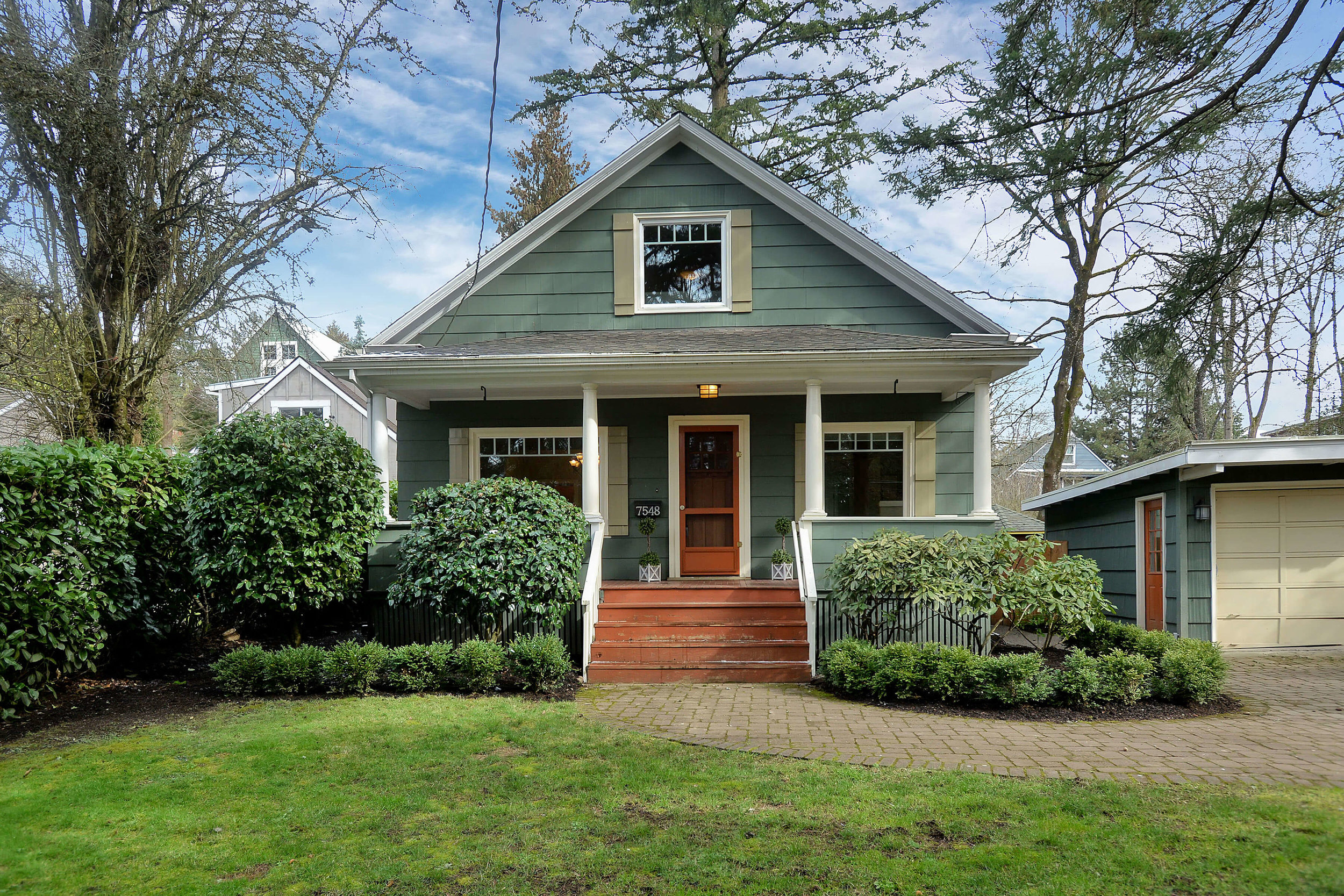 7548 SW 35th Ave. <Strong>SOLD</Strong>