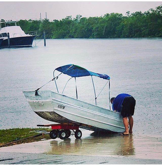Tag someone who does whatever it takes to get on the water!! 🤣💪🏻 📸 @t_dub_0496