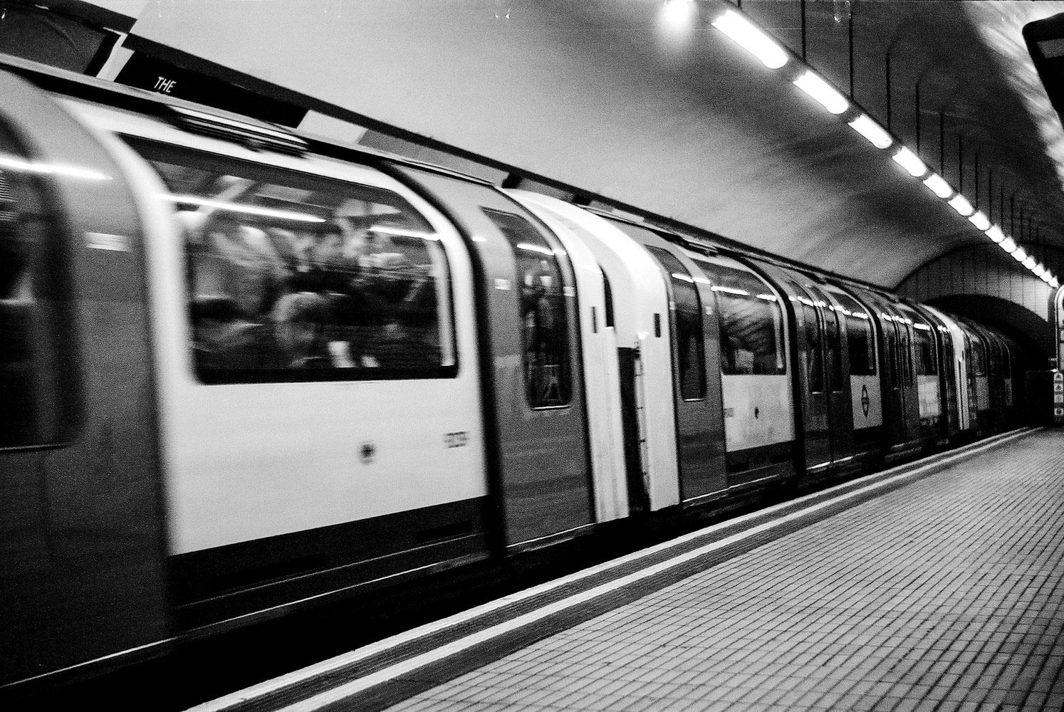 0025 London Underground 35mm_01.jpg