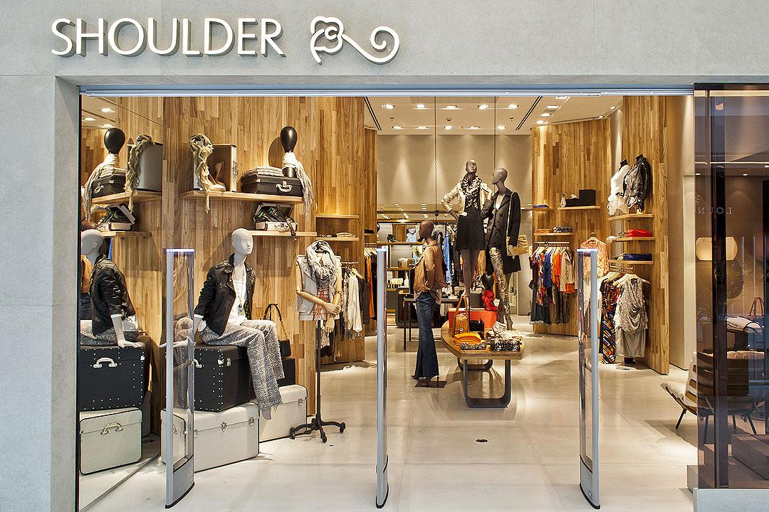 Shoulder Shopping JK