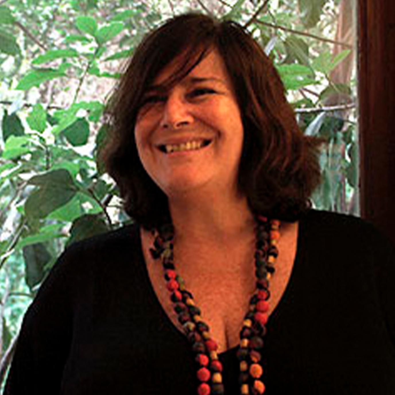 Ana Lobo - Designer de Produto. Coordenadora de projetos.