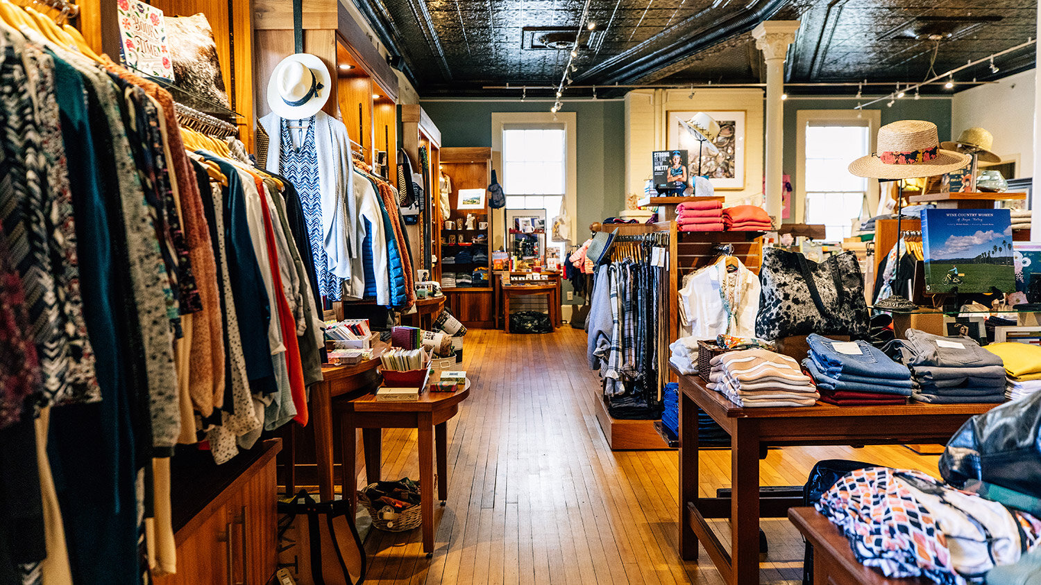 BOUTIQUE-Mercantile-190502_Cavallopoint_tg-289.jpg
