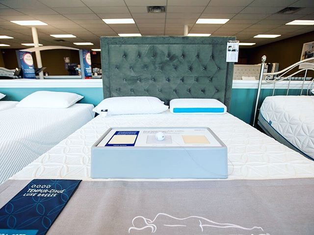 Tired today❓💤 Come stop by #FactoryMattress and find the perfect mattress fit for you and your sleeping needs 🛌😴😄 . . . #oaksatlakeway @oaksatlakeway #lakeway #laketravis #beecave #lakewaytexas #atx #austintx #keepaustinweird #austin #lakewayday #Factory #Mattress #SleepWellDoBetter #comfort #sleep #sleepneeds #comfortable #comfortablesleep #comfysleep #perfectfit #sleeping #sleepy #bed #bedtime #tired #sleeptime #atxlife #refreshed #rest