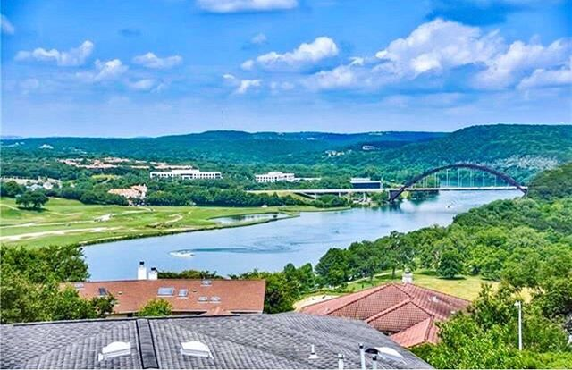 What a view 😱🤩 Check out @EngelVolkersAustin's amazing Lake Austin listings‼️ Visit their website today or come meet with the amazing team @oaksatlakeway 🏡🌞 . . . #oaksatlakeway @oaksatlakeway #lakeway #laketravis #beecave #lakewaytexas #atx #austintx #keepaustinweird #austin #lakewayday #EngelVolkersLakeway