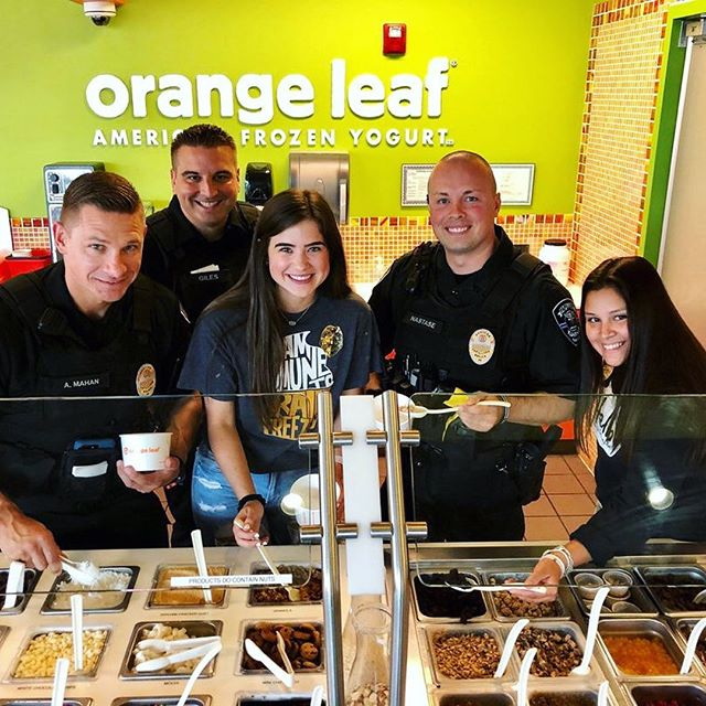 Froyo with a Cop ‼️🚨👮‍♂️ Come meet your Lakeway Police Department tomorrow @orangeleaflakeway 😄 20% of all sales will be given to the lakeway police foundation #EatGoodDoGood . . . #oaksatlakeway @oaksatlakeway #lakeway #laketravis #beecave #lakewaytexas #atx #food #keepaustineatin #lakewayeats #lakewayeating #lakewayfood #atxeats #KeepAustinEating #KeepLakewayEating #LakewayPolice #FroyoWithACop