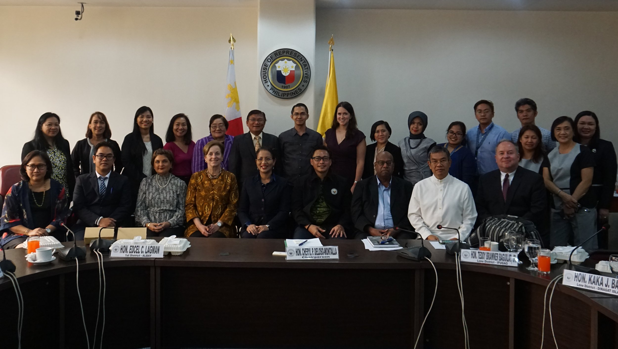 ASEAN Parliamentarians for Human Rights (APHR), the Philippine House of Representatives Human Rights Committee, and NDI hosted a congressional forum in Manila on the role of legislators as thought leaders and drivers of change in the region.