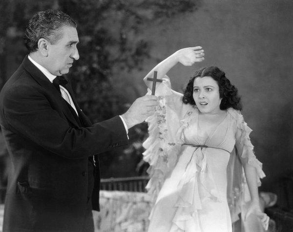 Lupita Tovar and Eduardo Arozamena in Dracula (1931, Universal, Spanish-language version)