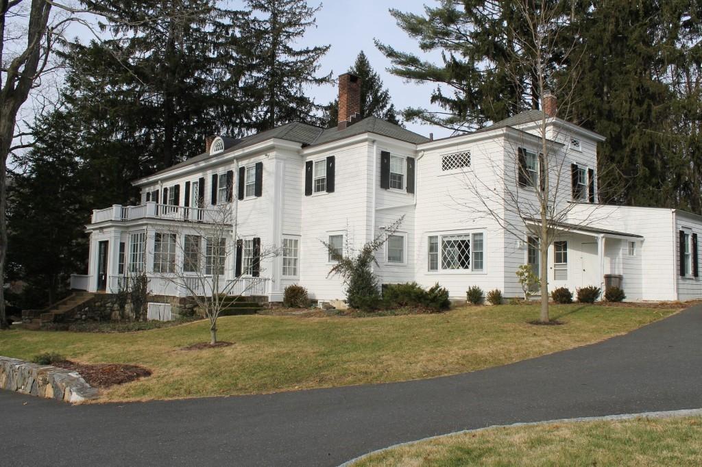 1-LANDING-Historic-HouseRenovation-1024x682.jpg