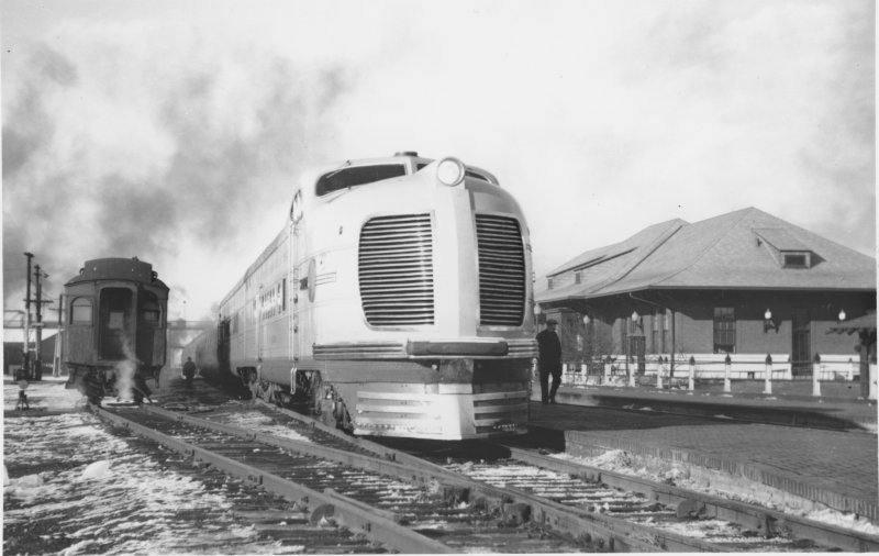 Streamliner at Depot, ca. 1937. R.H. Kindig photo, A.J. Wolff Collection