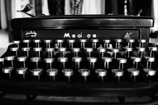 manual typewriter 1.jpeg