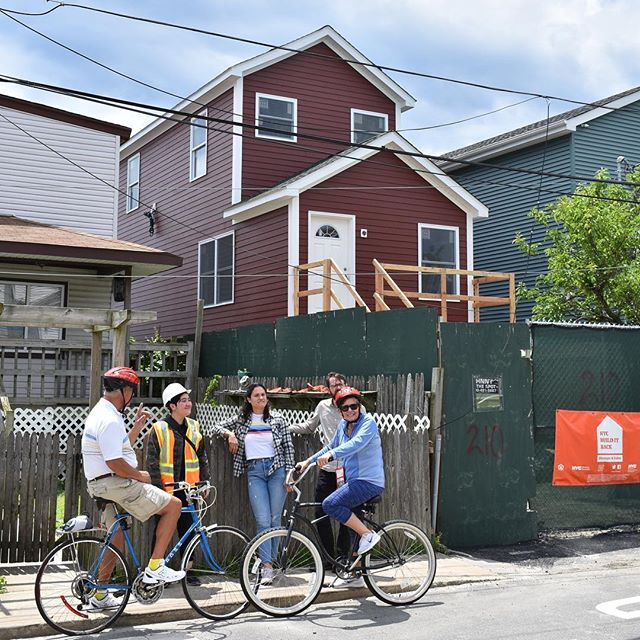 Sunny summer days filled with modularly constructed housing can't come soon enough!! This house is just one of the 83 modular homes we built as part of NYC's Build it Back Program and we love all of our babies equally #queens #rockaway #modularhome #modulararchitecture