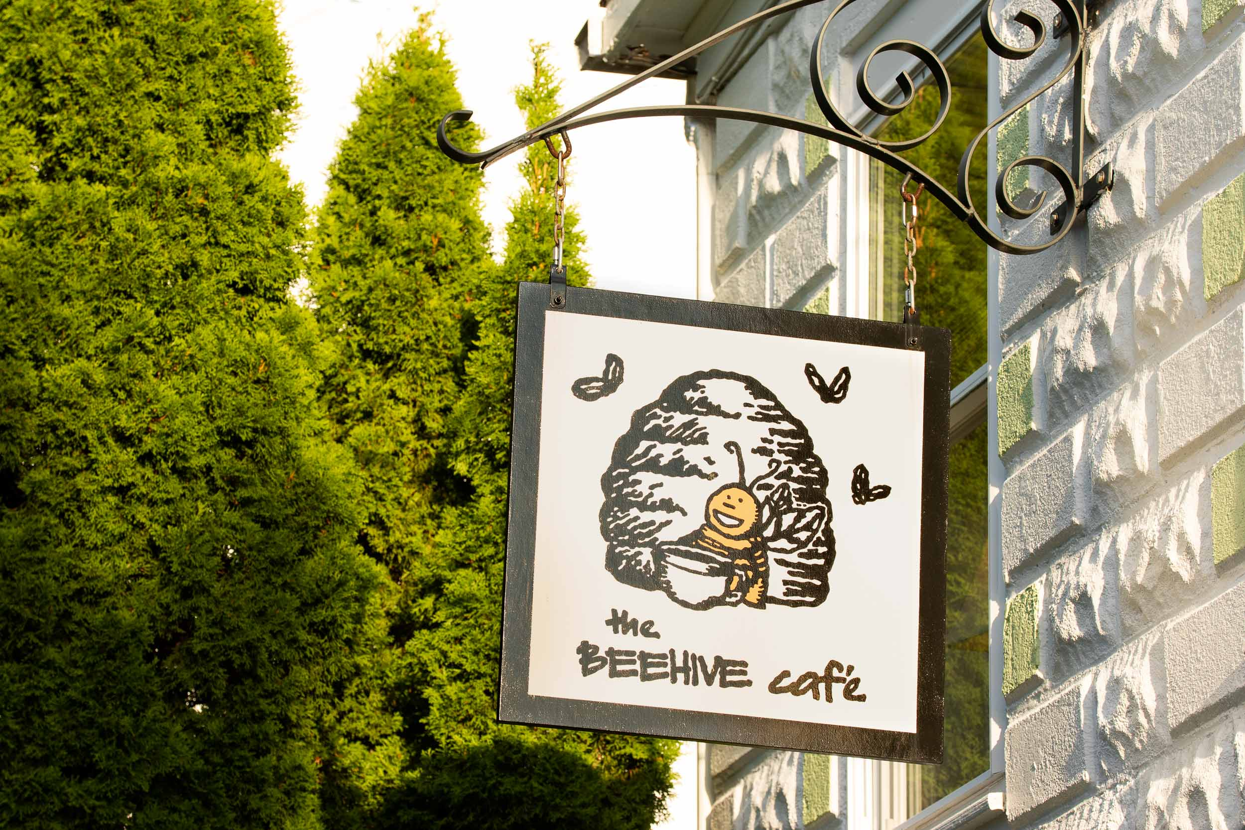 The Beehive Cafe sign