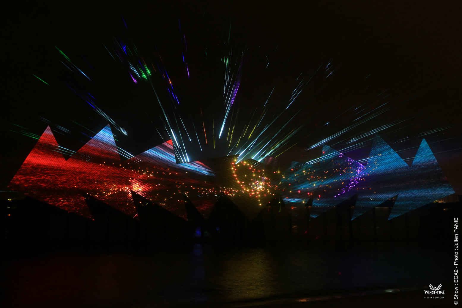 Be dazzled by the state-of-the- art lasers, robotic water fountains and giant water jets.