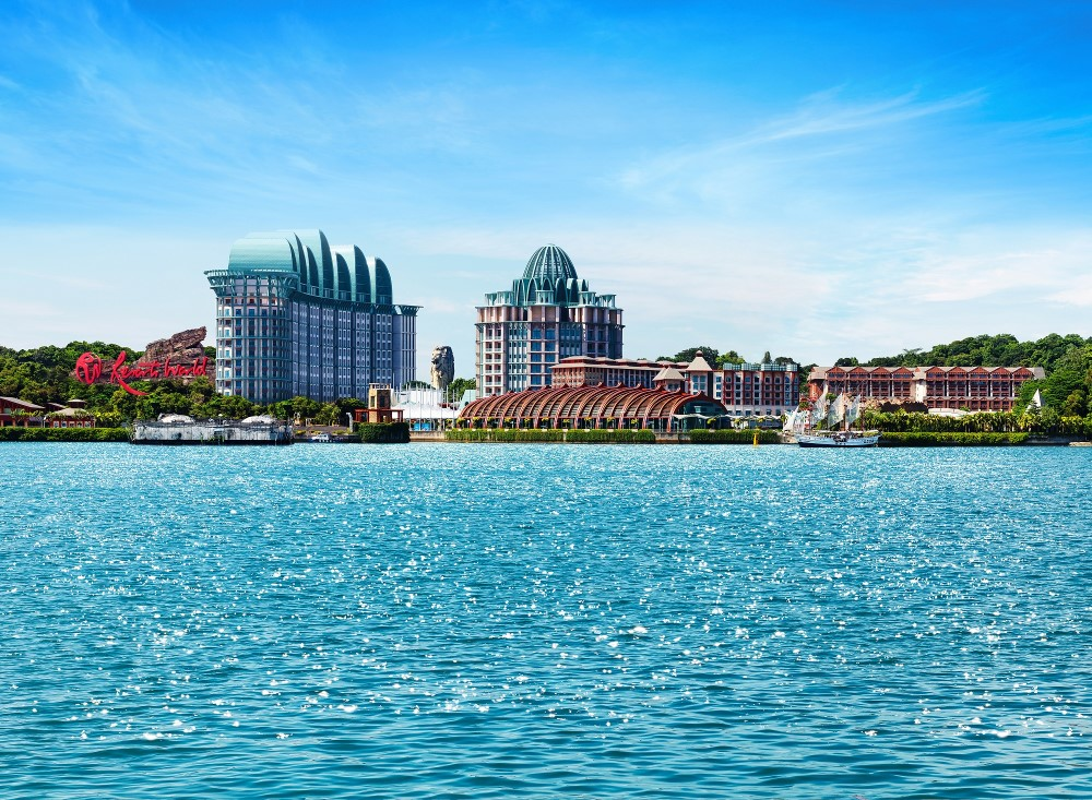 Resorts World Sentosa - Pop by the bustling Resorts World Sentosa, home to world class attractions such as Southeast Asis's first Universal Studios theme park, S.E.A. Aquarium, Adventure Cove waterpark, Trick-eye museum as well as Singapore's first casino.