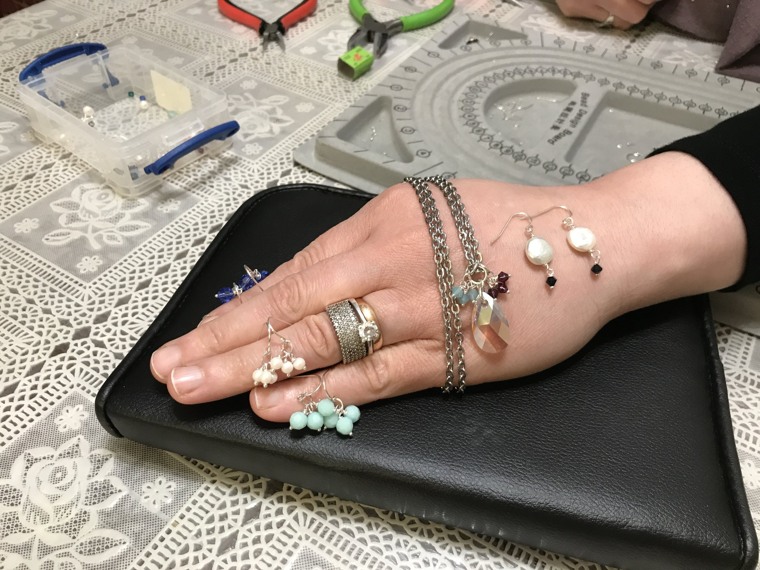 jewelry_made_by_syrian_refugees.jpg