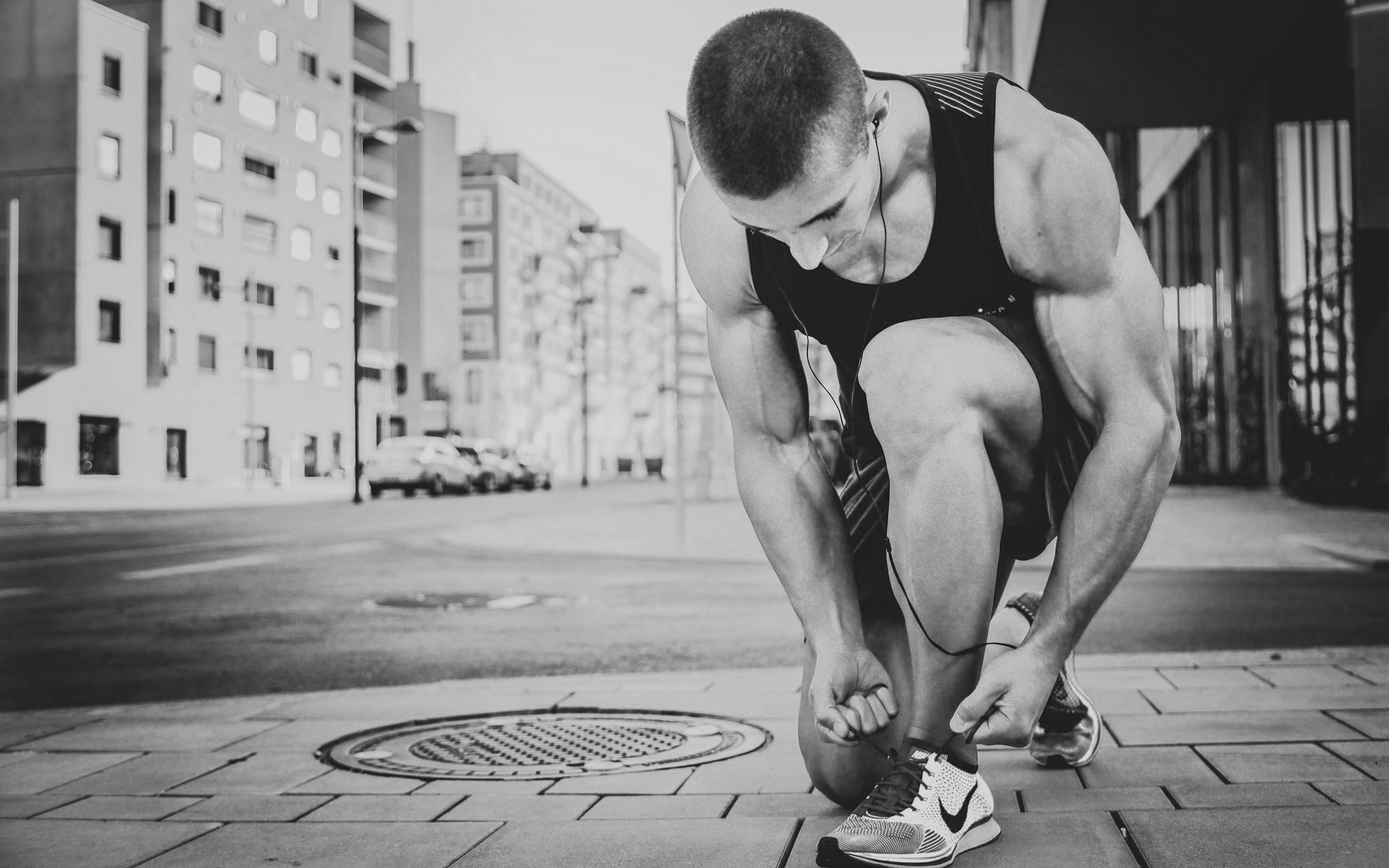 Runner+tying+shoe.jpg