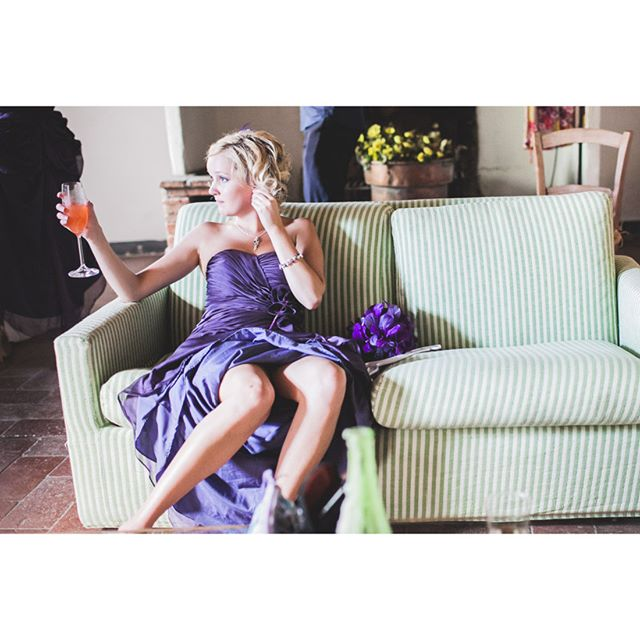 #onemomentdrink #violet . . . ★★★ www.whiteinkphoto.com ★★★ #whiteinkphoto #followedding #instawedding #weddingphotography #moments #weddingforward #xphotographer #fujilove #fujifilm #fujifilm_xseries #photooftheday #weddingpics #weddingstory #amazing #weddinginspiration #storytelling #storyteller #weddinglocation #weddingphotographer #bridesister #coolstyle #weddinginitaly #location #loveitaly #matrimonio #dolcevita #destinationwedding #relaxtime