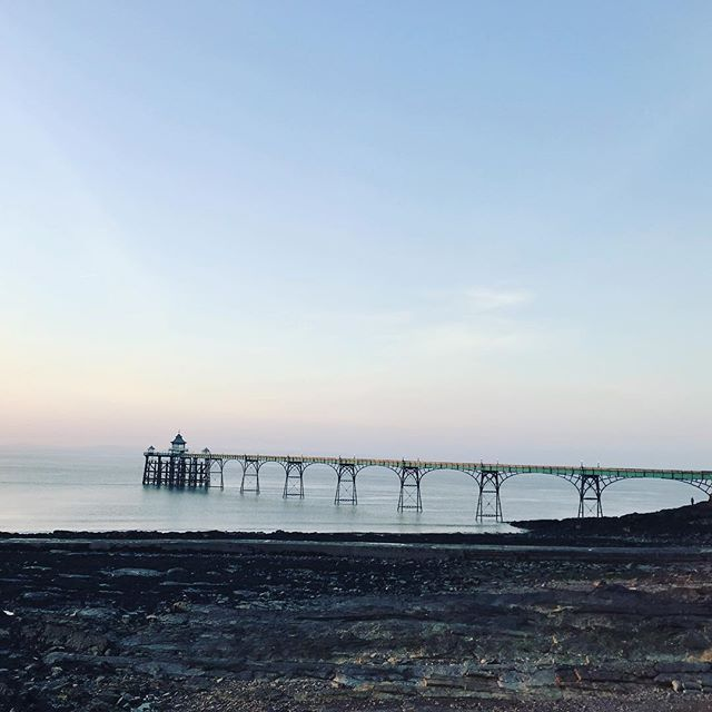Clevedon.....you've been beautiful today! Feeling very lucky to live here and have a business here. 😍 #TWS #clevedon #clevedonpier #sunset #springiscoming