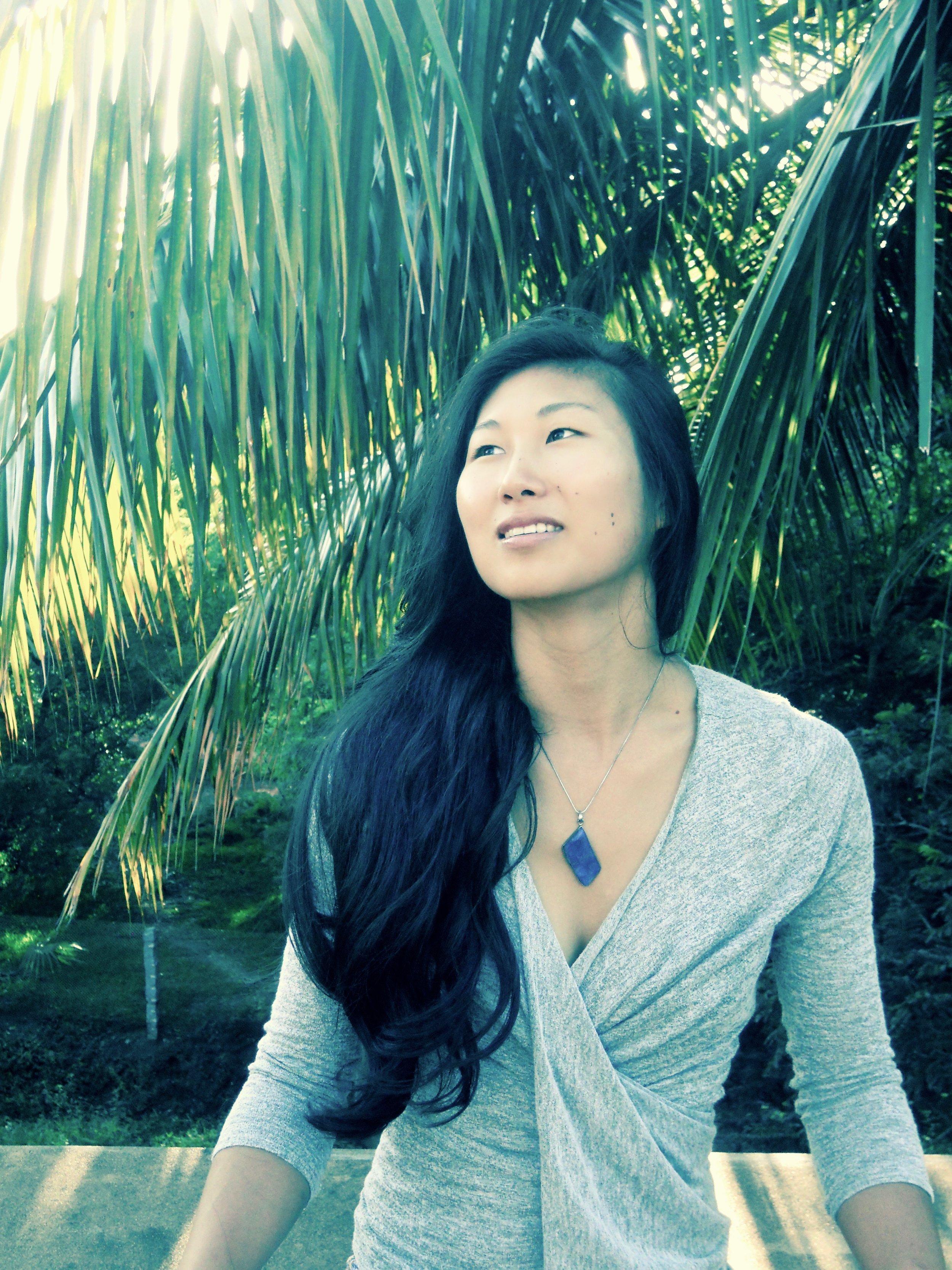 Haein Cho ( www.haeinyoga.be  /  www.movingyogis.com )