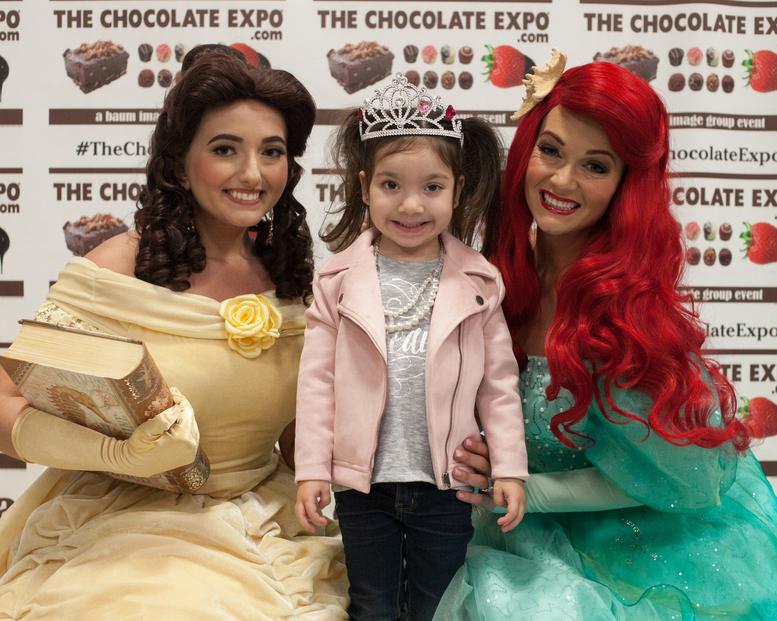 Get your selfie with the princesses!