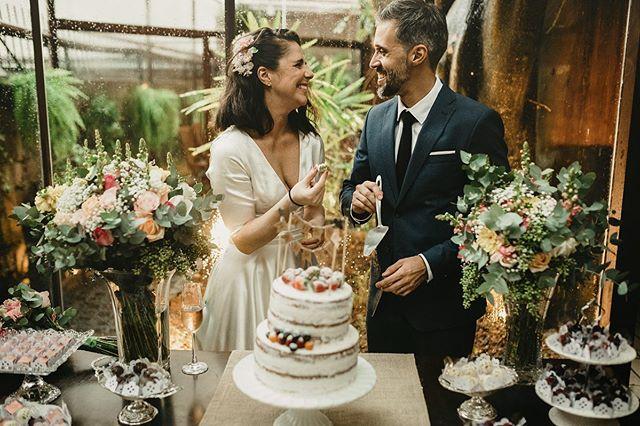 A verdadeira beleza está nos momentos simples da vida 🧡  #belovedstories #photographer #justmarried #casamento
