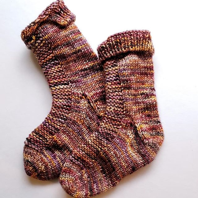 It's been quiet around here... vacation and then tax time followed by a lovely springtime cold. BETTER NOW! I just finished a pair of #ryesocks for my almost 3yo granddaughter and think I have enough left to make a pair for the baby! I will be heading into the dye studio soon, with purpose, as I've been invited to do a Make.Do pop-up show at Casting On during Fiber Frolic on Sunday, May 5th. So excited!! I hope to have those baby socks finished by then, too! @castingon305 #handdyedyarn #makedotdo #indiedyer #indiedyedyarn #yarnlove #knitting #knittersofig #indiedyersofinstagram #lys #yarnshop