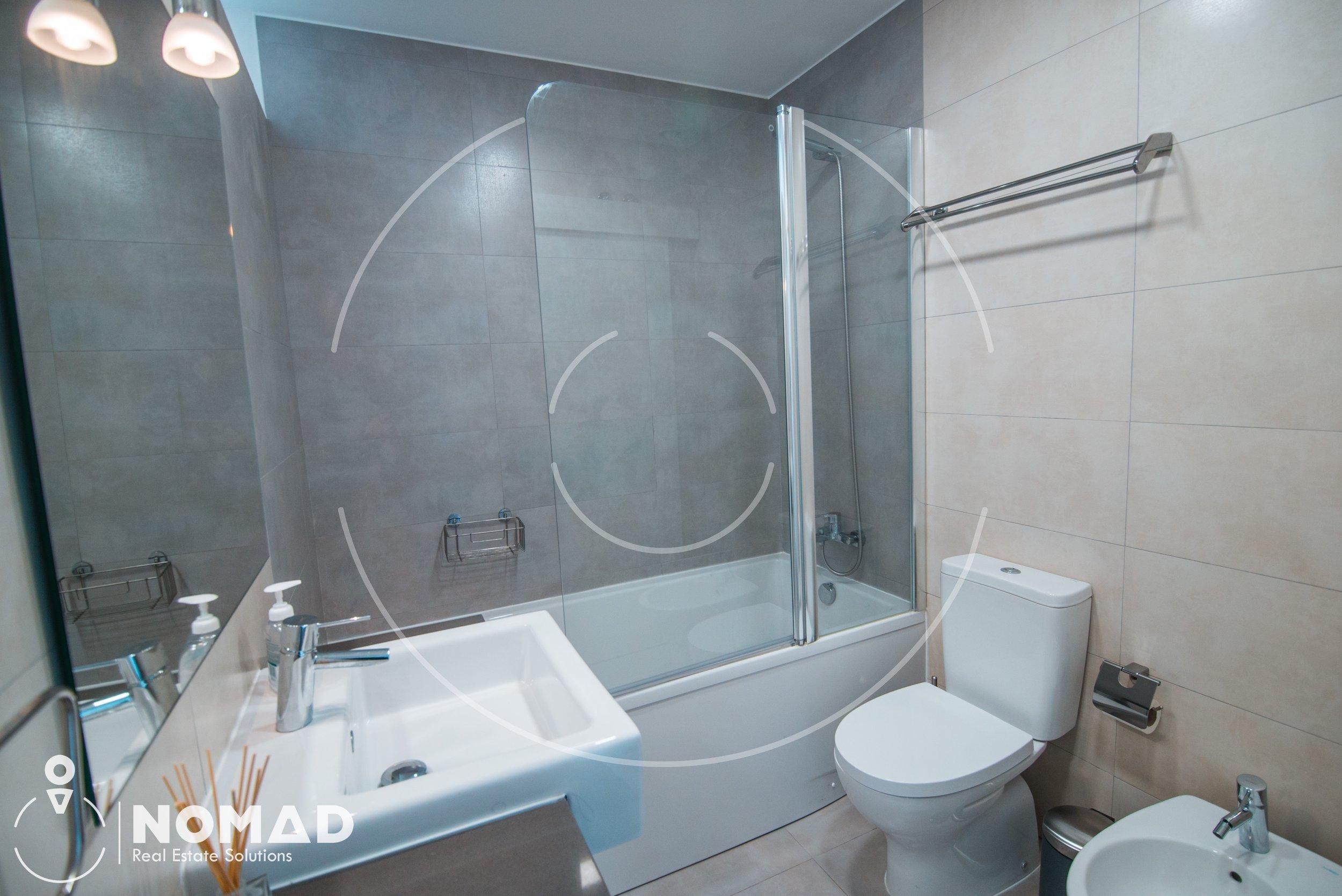 Outros detalhes - * Apartamento remodelado* Cozinha com ligação direta à sala* Cozinha Renovada