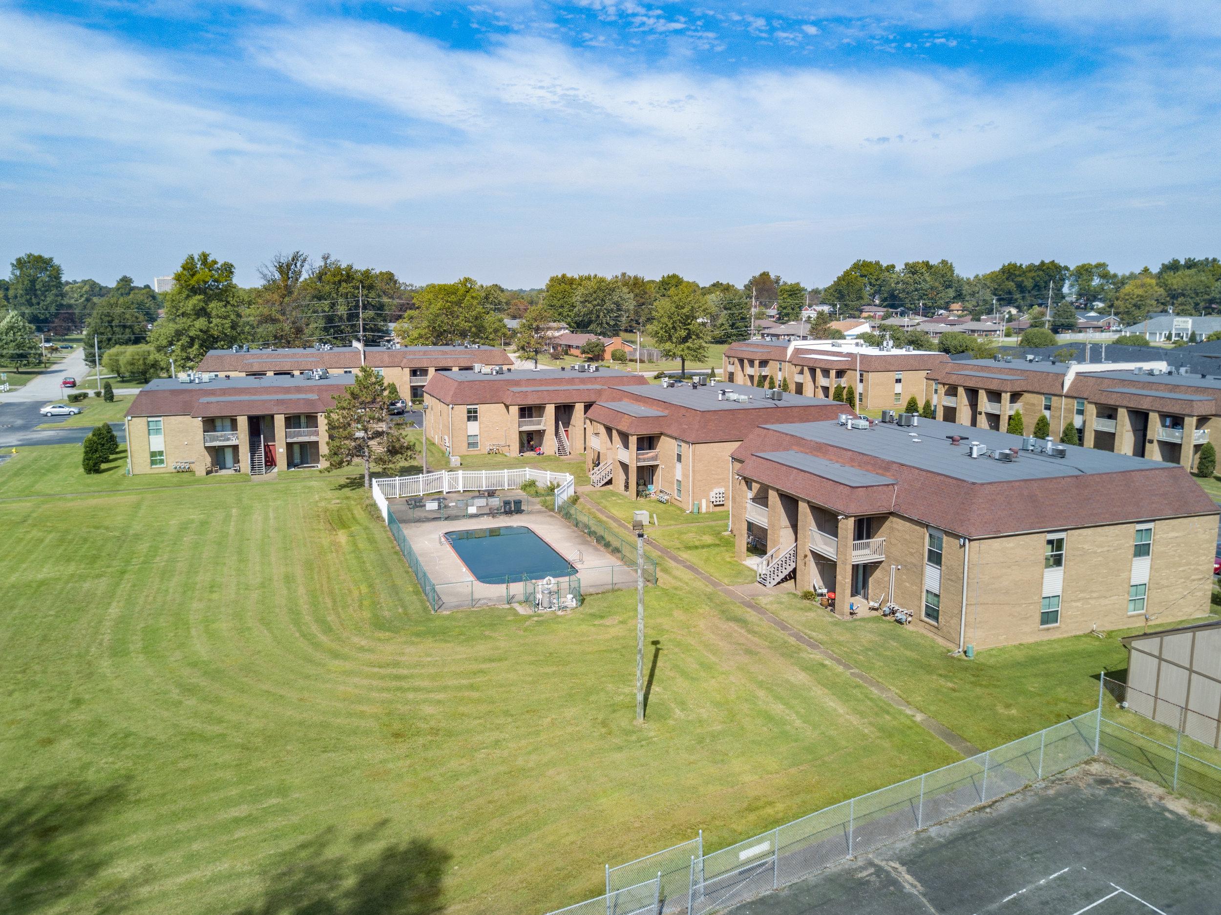 Owensboro Apartment Pool