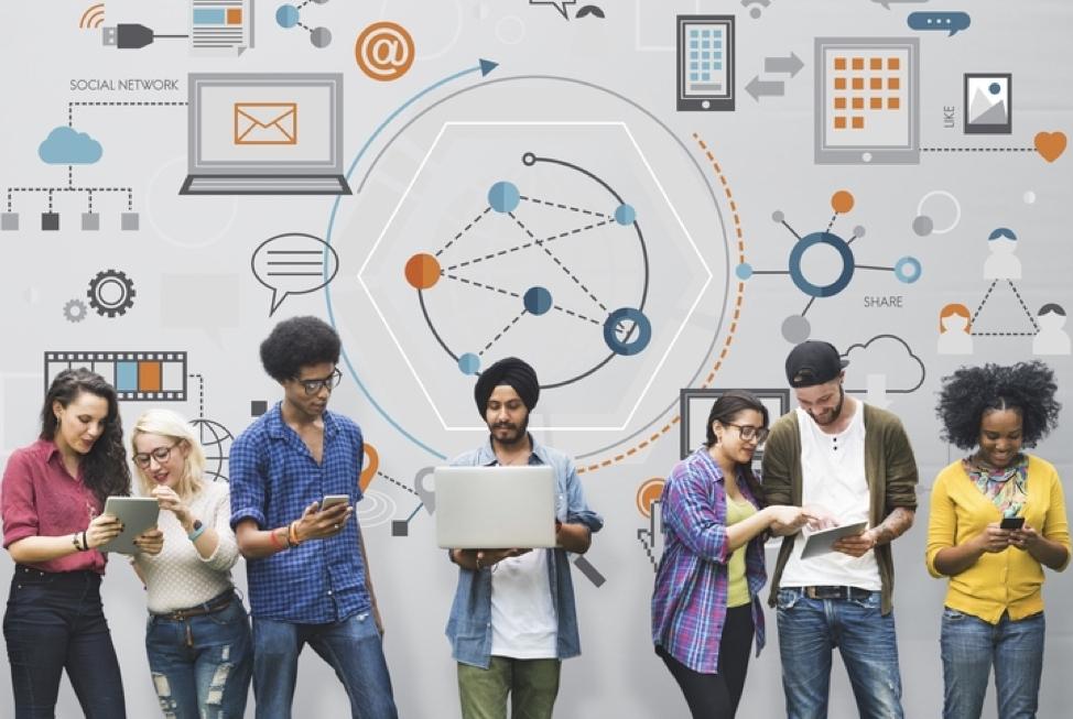 Campañas Digitales - Las campañas en la Sociedad Red son radicalmente diferentes a las anteriores. Ahora los electores marcan la pauta de la campaña. Las redes sociales son clave. No hacer campaña digital es error capital. Poseemos una de las mejores plataformas y bases de datos de América.