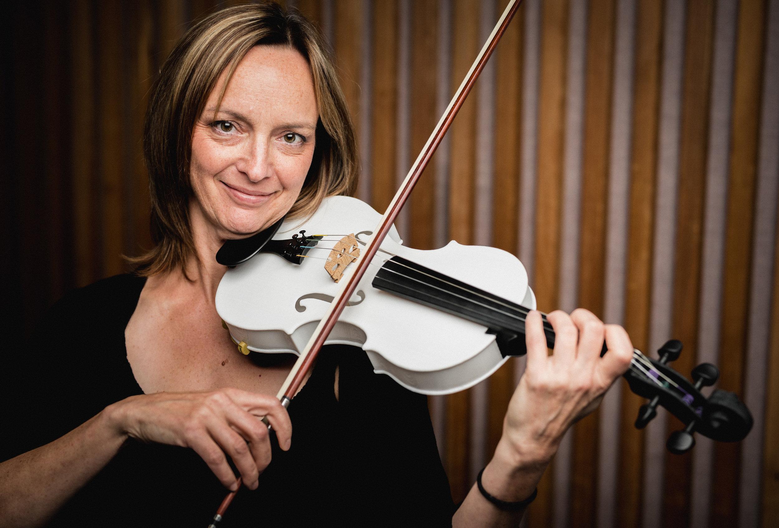 Natalie Deschesnes, Violin