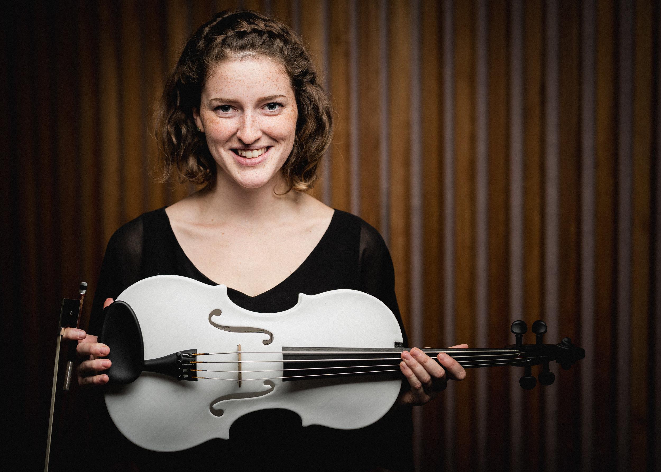 Alisa Klebanov, Bass-Viola
