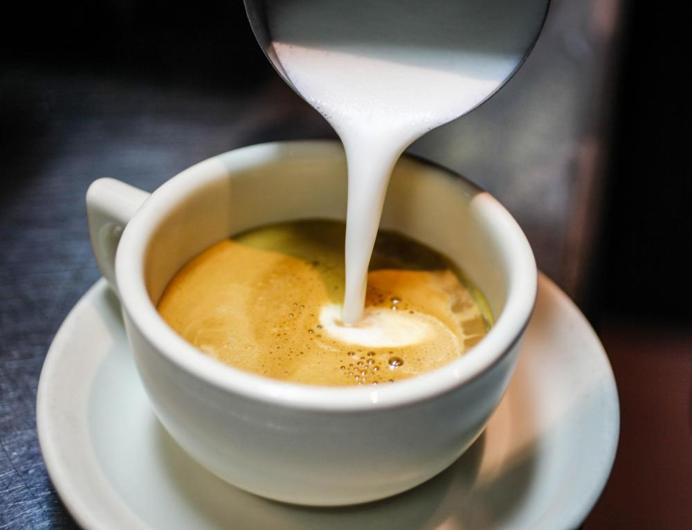 Coffee & Dessert - Café Con Leche 2714 N Milwaukee Ave. Chicago
