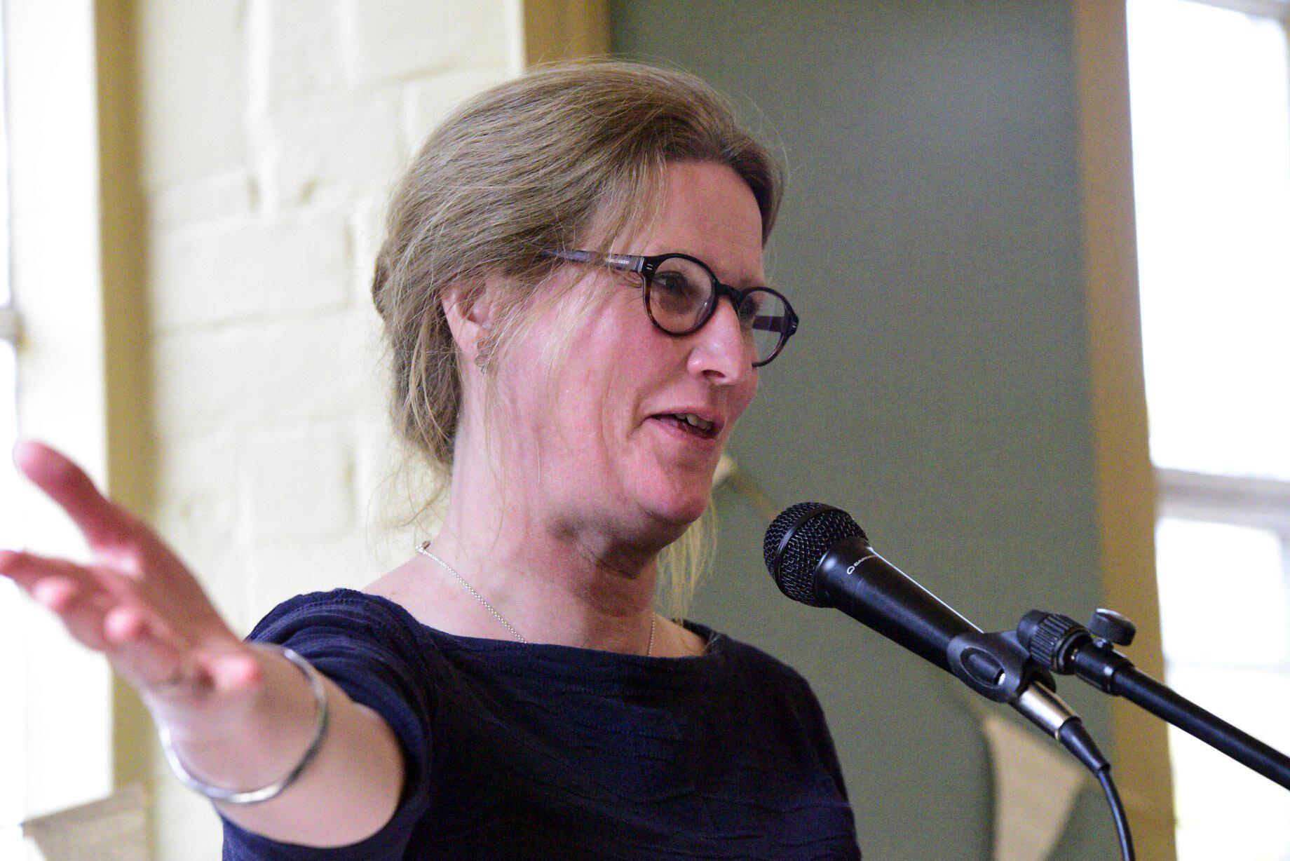 Liz Lefroy