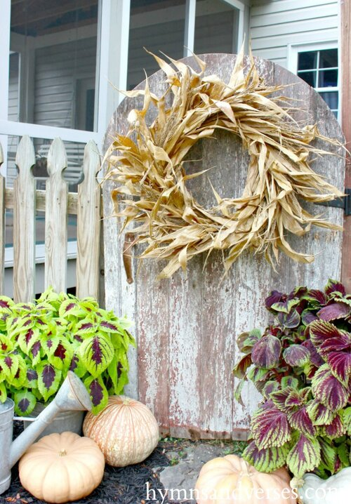 Corn-Husk-Wreath.jpg