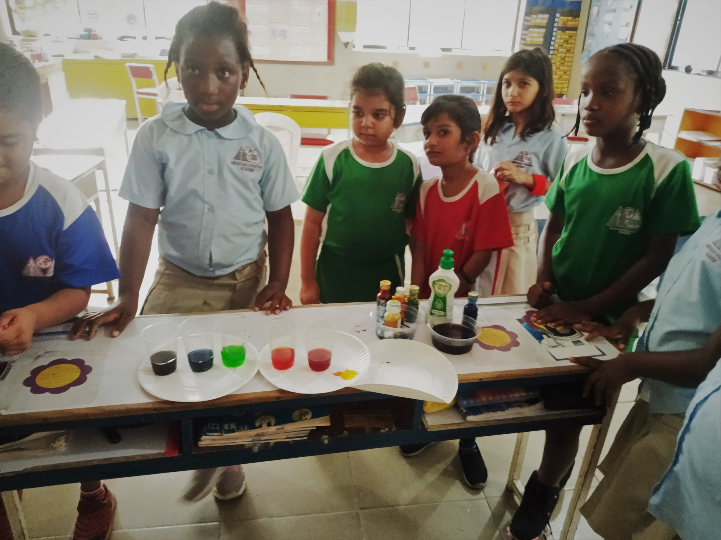 Elementary students made Rainbow foam with vinegar and baking soda in MAD Science Club this week!