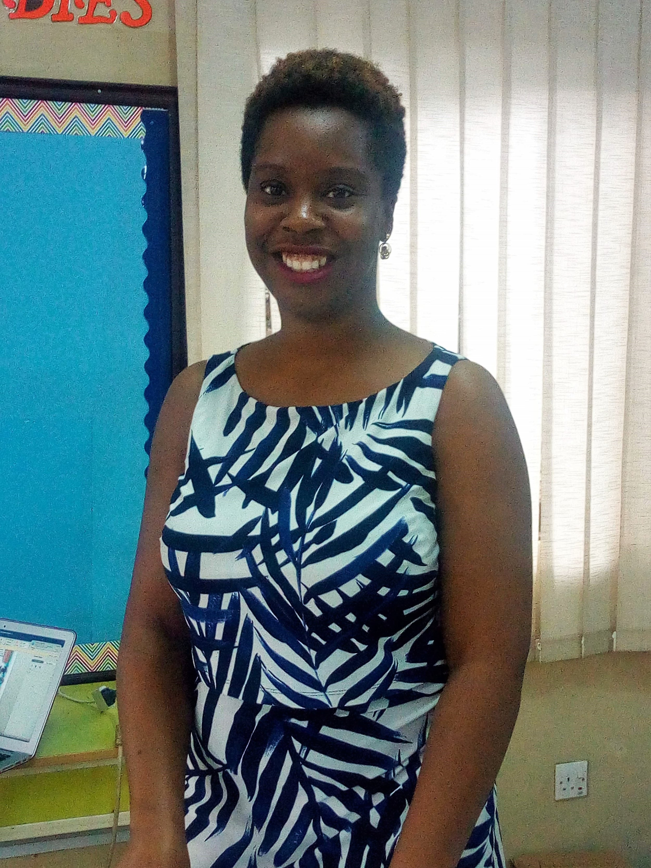 Meet our new 3rd Grade teacher, all the way from New York, USA, Ms. Janet!